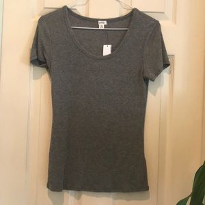NWT M garage gray ribbed short sleeve tee